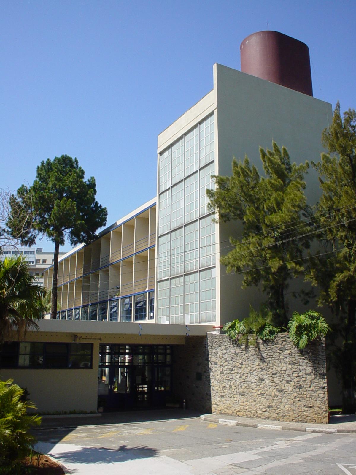 A escola de enfermagem da usp ee escola de enfermagem for Docentes exterior
